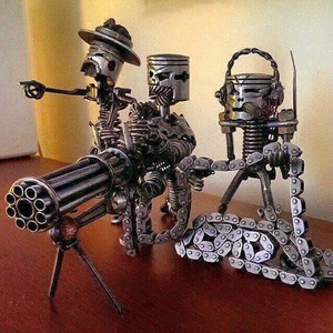 Человечек из металла поделка