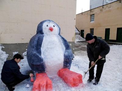 Делаем фигуры из снега своими руками