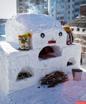 Как создать фигурку собачки из снега