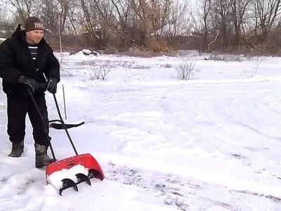 Лопата для уборки снега особенности снегоуборочных моделей из фанеры и оцинковки Характеристики деревянных лопат