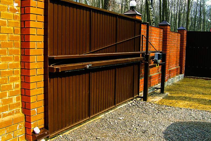 Раздвижные ворота на даче