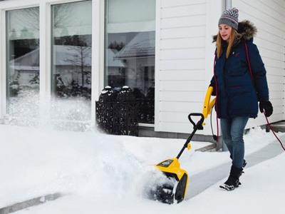 Электролопата для уборки снега - самый лёгкий электрический снегоуборщик